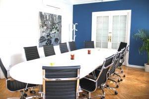 Sala de terapias en grupo para psicólogos en el retiro (Madrid)